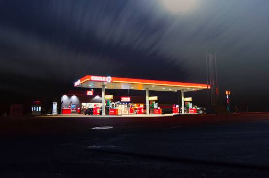 blur-dusk-evening-gas-station