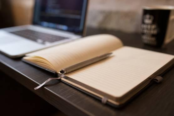 coffee-writing-computer-blogging