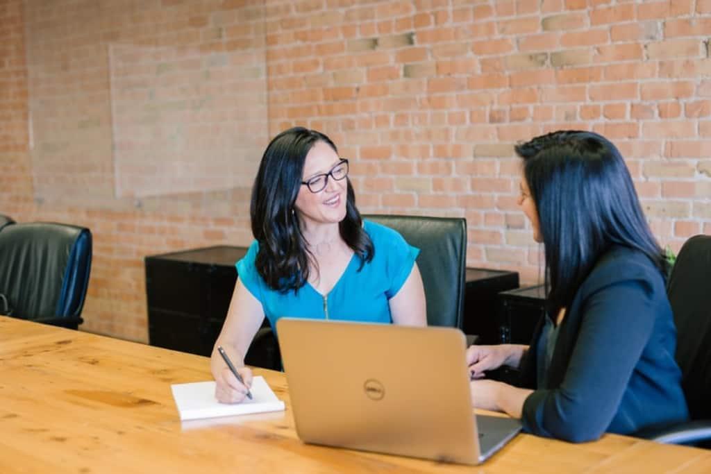 5 Provide Employee feedback Top 10 Employee Retention Best Practices